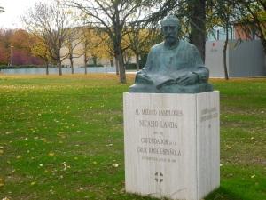 Monumento a Nicasio Landa en Pamplona