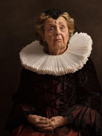 Mujer con gorguera